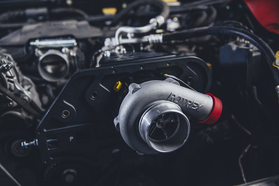 kompresor v motoru