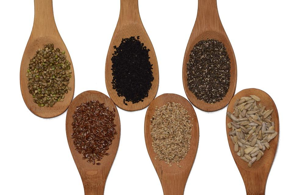 lžíce plné semen